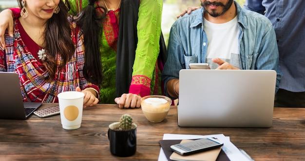 Coopération brainstorming connection unity concept