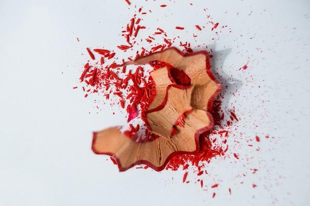 Copeaux de crayons de couleur rouge