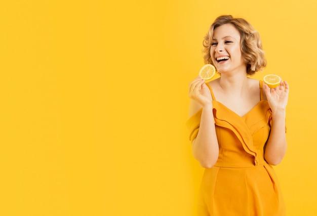 Copie, espace, femme, tenue, citron