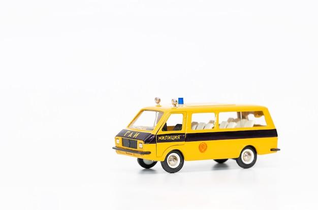 Copie miniature d'une voiture de police soviétique