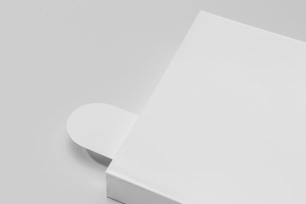 Copier le livre et le signet de l'espace