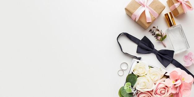 Copiez les accessoires de l'espace mariée et le marié