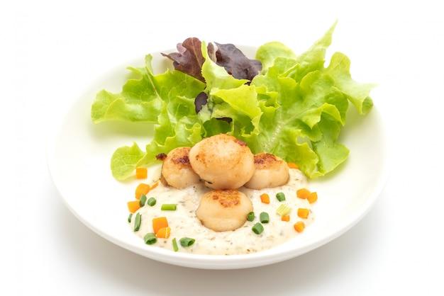 Coquille de pétoncles grillés avec légumes
