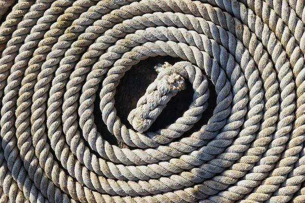 Corde de marin enroulée en spirale