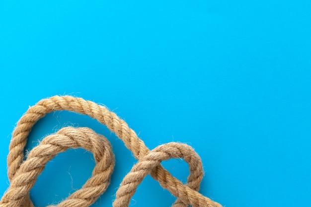 Cordes de bateau avec noeud
