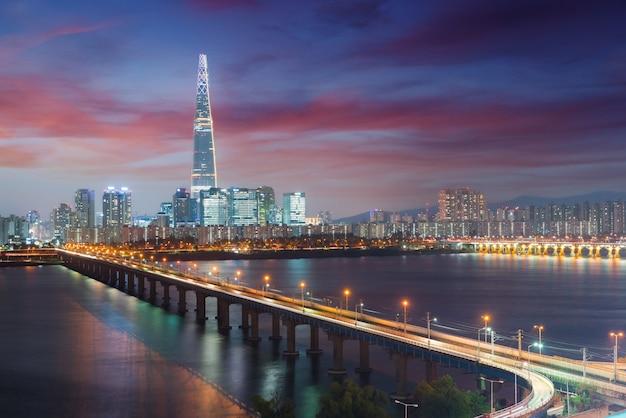 Corée du sud skyline de séoul, la meilleure vue de la corée du sud avec lotte world mall à jamsil.