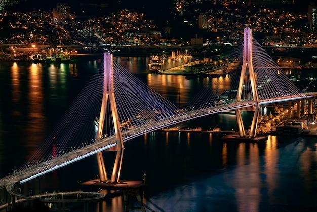 Corée, paysage nocturne du pont du port de busan