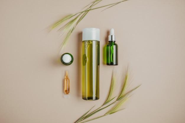 Cosmétique naturelle, sérum pour les cheveux et la peau.
