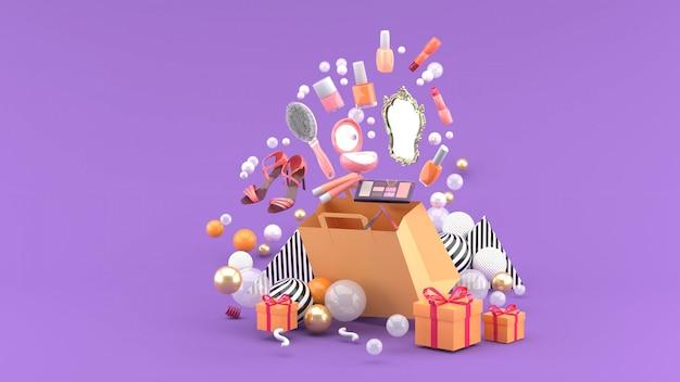 Des cosmétiques et des chaussures à talons hauts flottent hors du sac au milieu de boules colorées sur le violet. rendu 3d