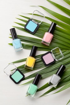 Cosmétiques couleurs pastel. concept de blogueur beauté