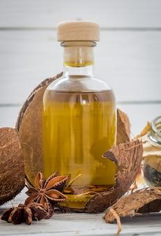 Cosmétiques naturels, produit respectueux de l'environnement, crème et huile aromatiques