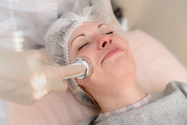 Cosmétologie matérielle, soins du visage.