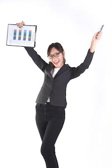 Costume de femmes d'affaires en tenue de dossier noir avec de la paperasse.