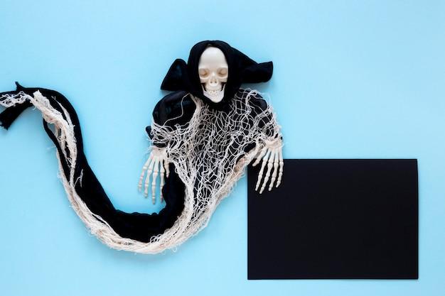 Costume d'halloween effrayant vue de dessus