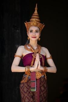 Costume traditionnel des femmes en thaïlande