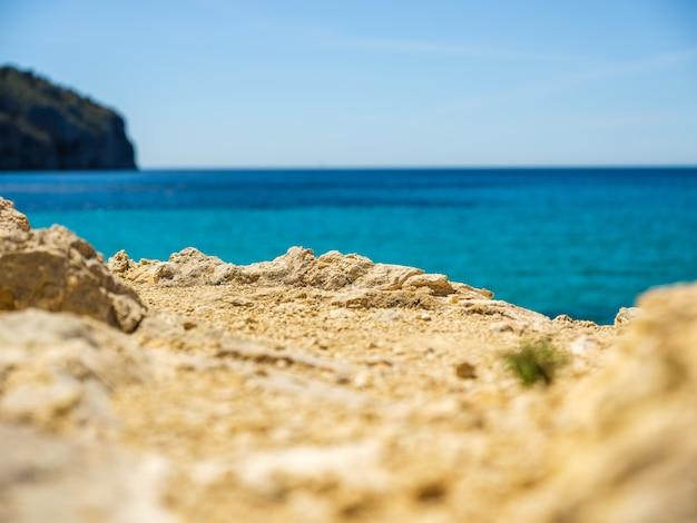 Côte idyllique de majorque, mer méditerranée aux beaux jours, espagne.