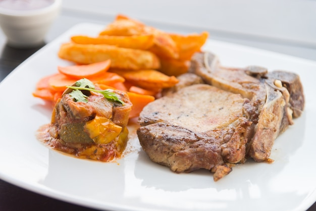 Côtelette de porc bifteck