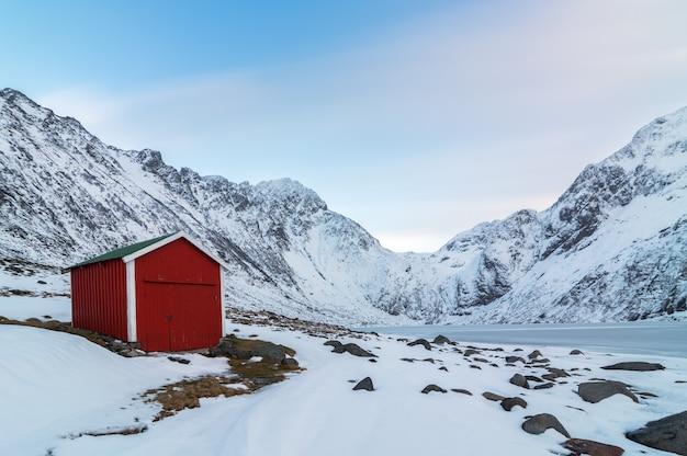 Cottage rouge de style norvégien.
