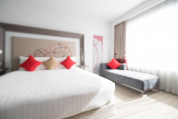 Couch et un lit avec des coussins