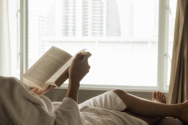 Couche de détente lit de lecture adulte hiver