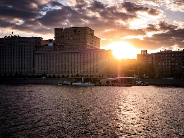 Coucher de soleil architecture urbaine