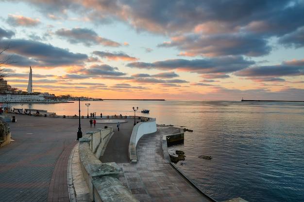 Coucher de soleil sur la baie de sébastopol