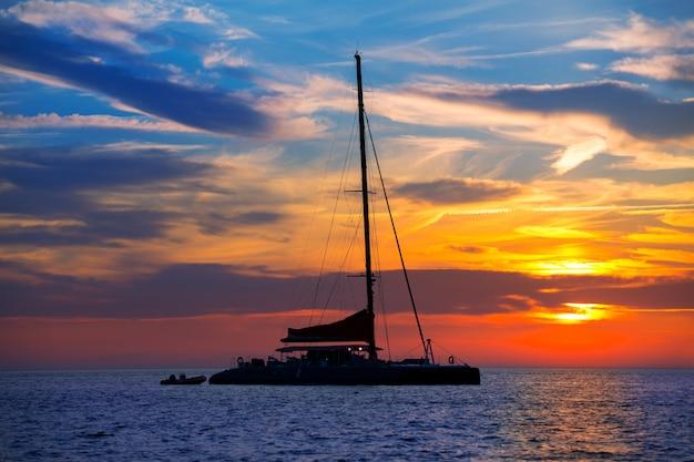 Coucher de soleil catamaran ibiza san antonio abad