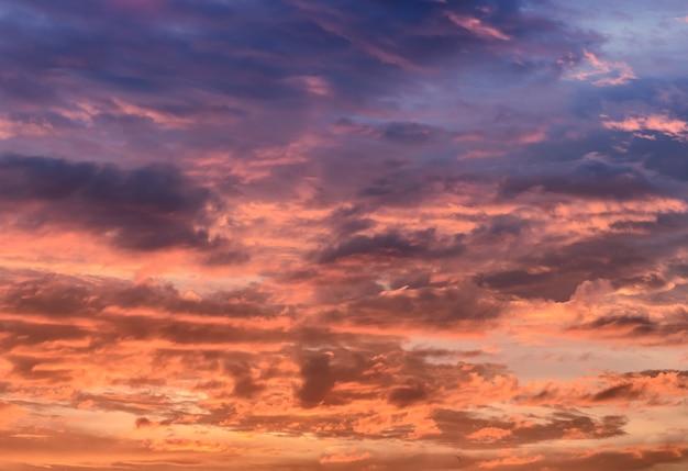Coucher de soleil avec cloudscape