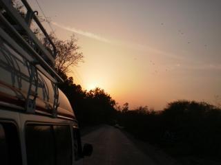 Coucher de soleil lors d'un voyage de retour, khewra
