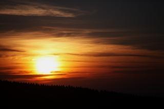 Coucher de soleil en nouvelle-zélande st andrews colline