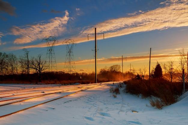 Coucher de soleil nuit ciel lignes électriques