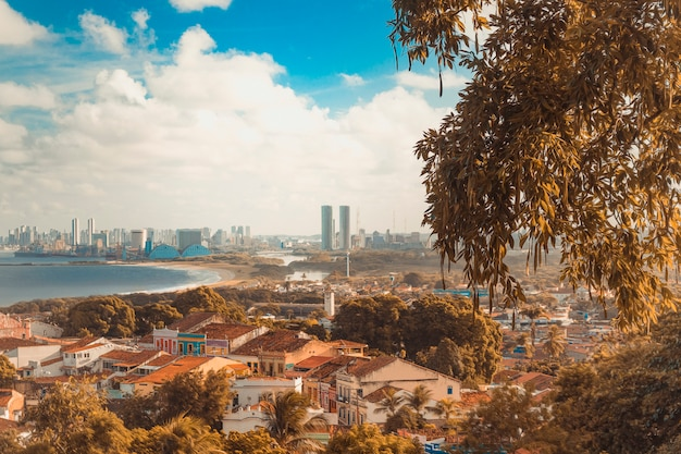 Coucher de soleil sur les villes d'olinda et de recife - nord-est du brésil