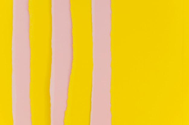 Couches de papiers colorés verticaux