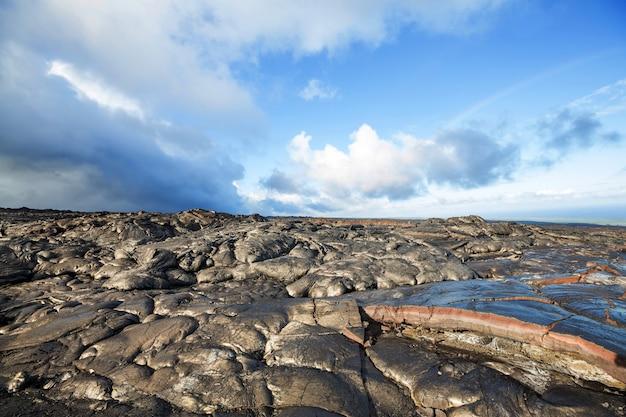 Coulée de lave sur big island, hawaii