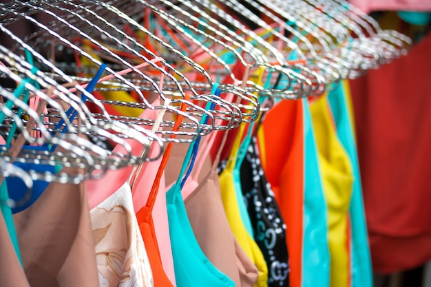 Couleurs femmes vêtements