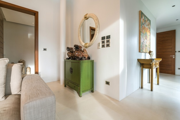 Couloir maison design d'intérieur et extérieur