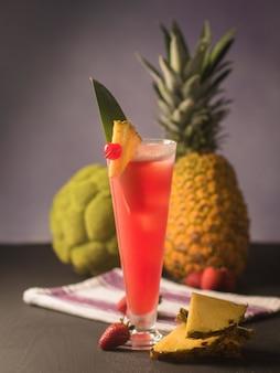 Coup de mise au point sélective du cocktail bay breeze