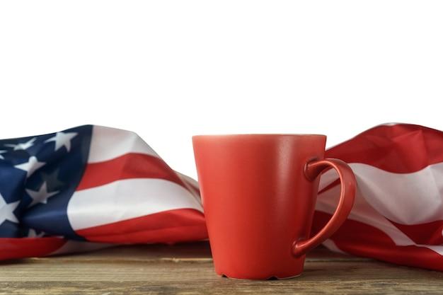 Coupe américaine rouge et drapeau américain
