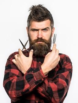Coupe de cheveux homme rasage homme en salon de coiffure