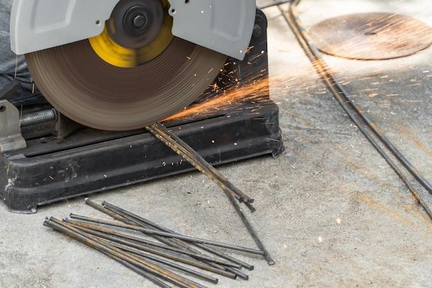 Coupe transversale de travail de coupe de fer électrique