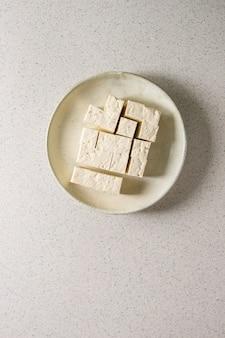 Couper du tofu