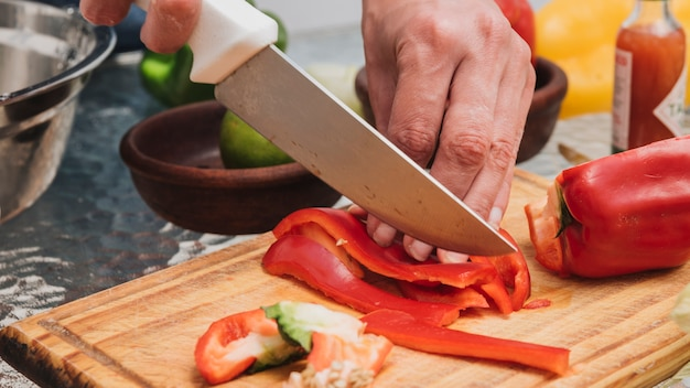 Couper les poivrons