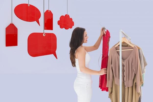 Couper les vêtements d'animation sur la femme toile de fond