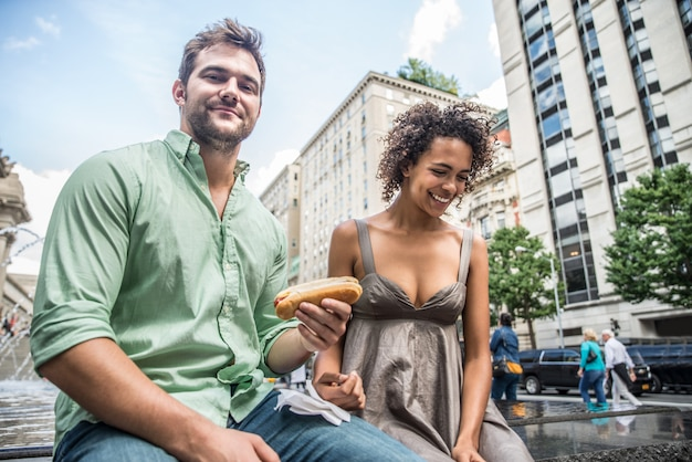 Couple d'amoureux à central park
