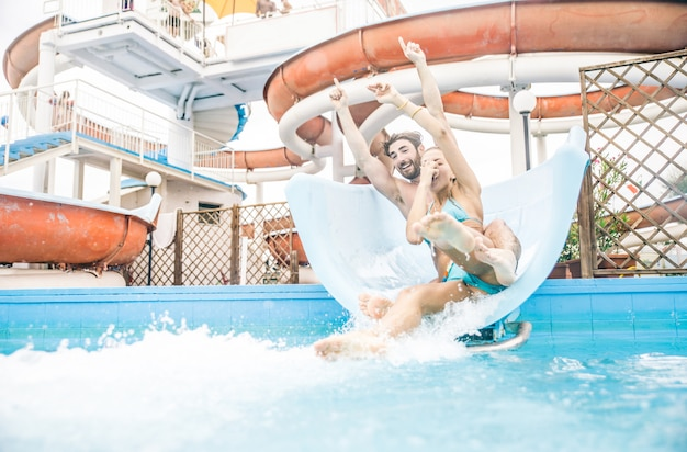 Couple, aquapark