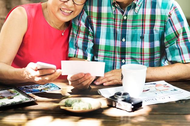 Couple asiatique senior