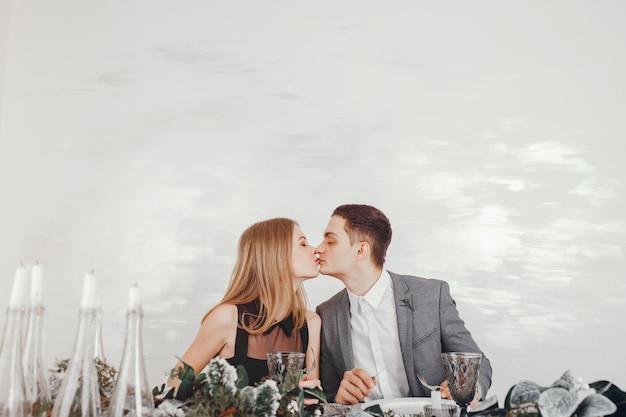 Couple au restaurant