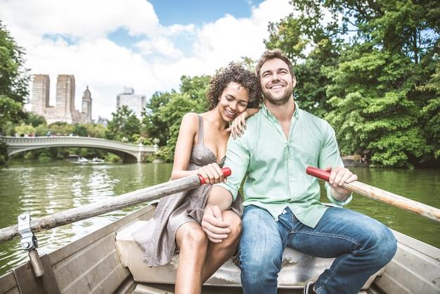 Couple, sur, bateau