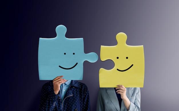 Couple de bonheur ou concept de partenariat d'affaires