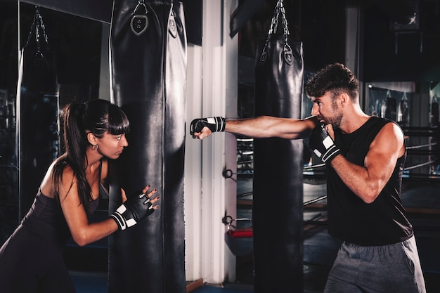 Couple, boxe, gymnase